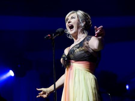 Lesley Garrett performs at the Tower of London.