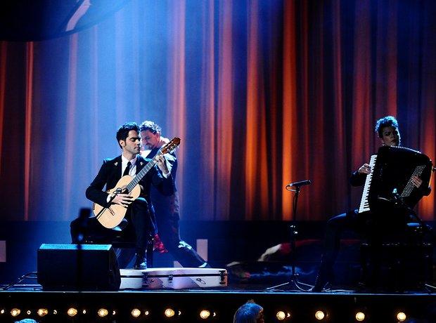 Milos Karadaglic live Classic BRIT Awards 2012