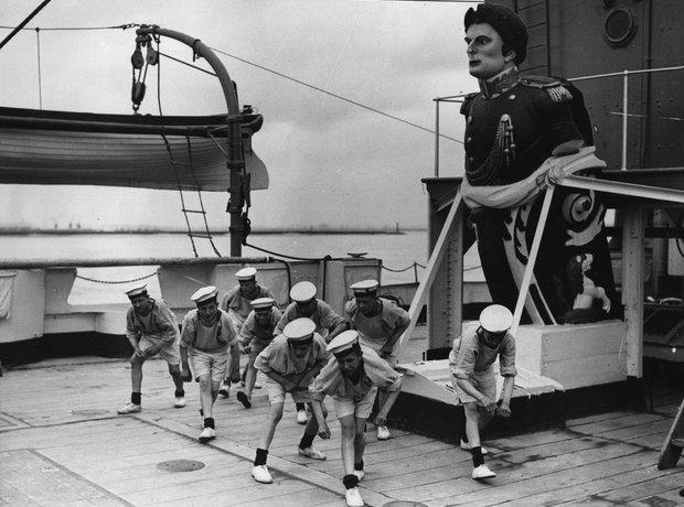 sailors dancing hornpipe