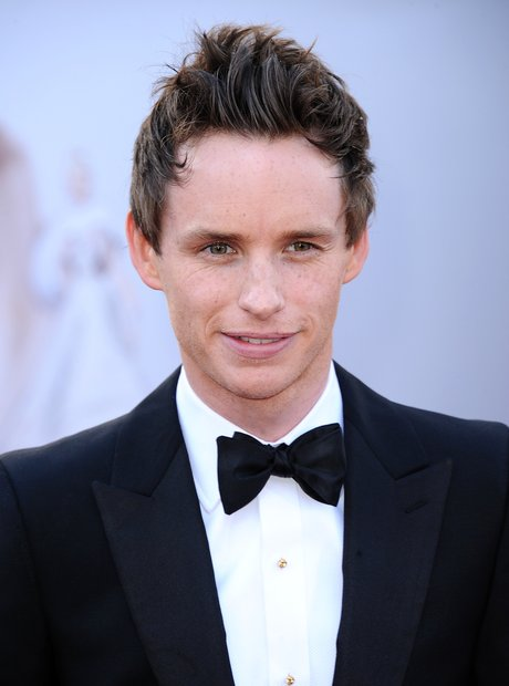 Eddie Redmayne attends the Oscars 2013