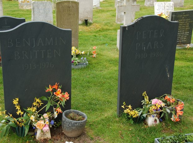 Benjamin Britten Peter Pears grave