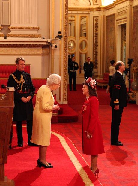 Tasmin Little OBE investiture Buckingham Palace Queen violinist 2012
