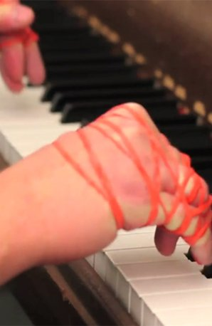 satie piano rubber bands